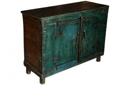 ce petit buffet bas de couleur vert bleu nous a s duits. Black Bedroom Furniture Sets. Home Design Ideas
