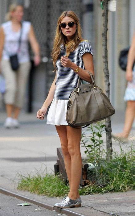love her: Oliviapalermo, Silver Oxfords, Summer Style, Street Style, Outfit, Silver Shoes, Olivia Palermo, Stripes, White Skirts