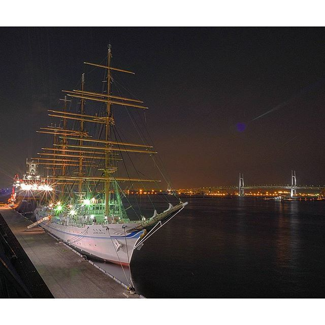 Instagram【sugichin21】さんの写真をピンしています。 《🌉Yokohama_JP✨ ────────── * 昨日の#大さん橋 * ドイツの調査船の前には#帆船 #海王丸 が停まってました。 * * Location:#Yokohama #Kanagawa #Japan * * #横浜ベイブリッジ #横浜 #みなとみらい #夜景 #igersjp #夜景じゃnight #夜景倶楽部 #夜景ら部 #lumixgx8 #gx8 #lumixlife #japan_night_view #noitenoinstagram #ig_cameras_united #icu_nightlife #icu_japan #pocket_family #pocket_nights #picture_to_keep #ptk_night #addicted_to_night #loves_night #night_arts * *》