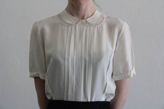 Vintage Blouse . 1940s . Peter Pan Collar . Pin Tucks . Button Down Back . White…