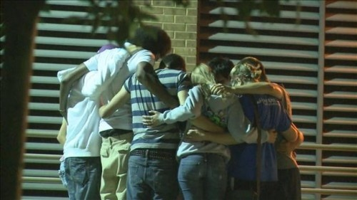Aurora Theater Shooting teens in prayer