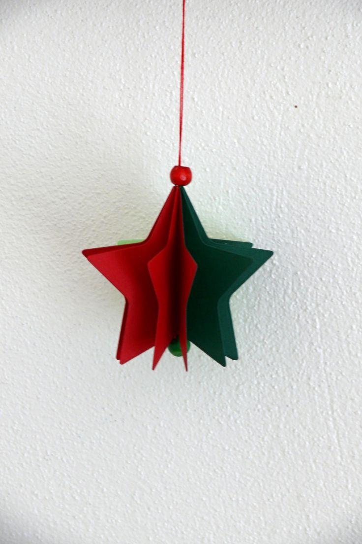 Vánoční+hvězdička+z+papíru+Velikost+hvězdičky+je+8,3+cm.+Karton+má+gramáž+220+gsm+-+je+velmi+pený+a+odolný.+Krásná+a+nerozbitná+dekorace+na+vánoční+stromeček.+Hvězdička+je+jednoduchá+-+vyrobená+z+6+částí.