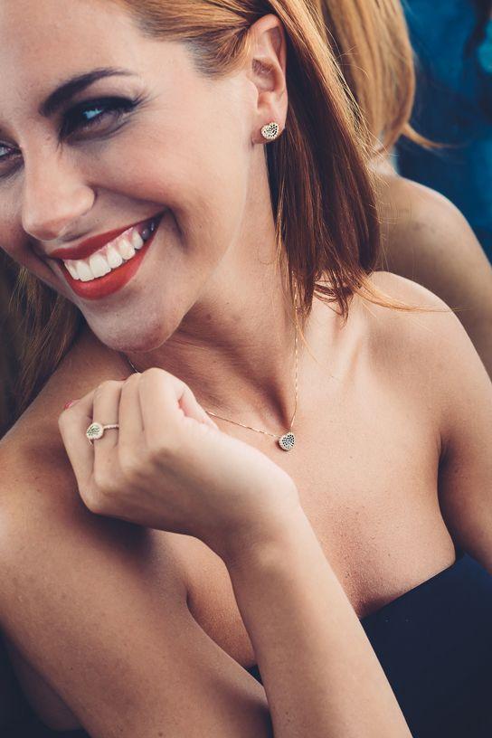 Collana anello e orecchini in oro 18 kt con diamanti bianchi e neri... gioiello speciale per una donna speciale