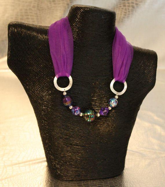 Bufanda del collar con cuentas-púrpura por CarlouwDesigns en Etsy