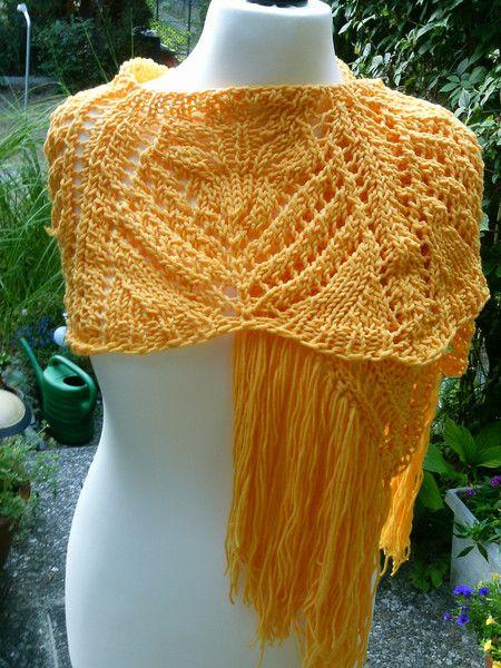 Schal-Stola im Palmwedel-Muster, gestrickt, gelb von Meine Strickerei auf DaWanda.com
