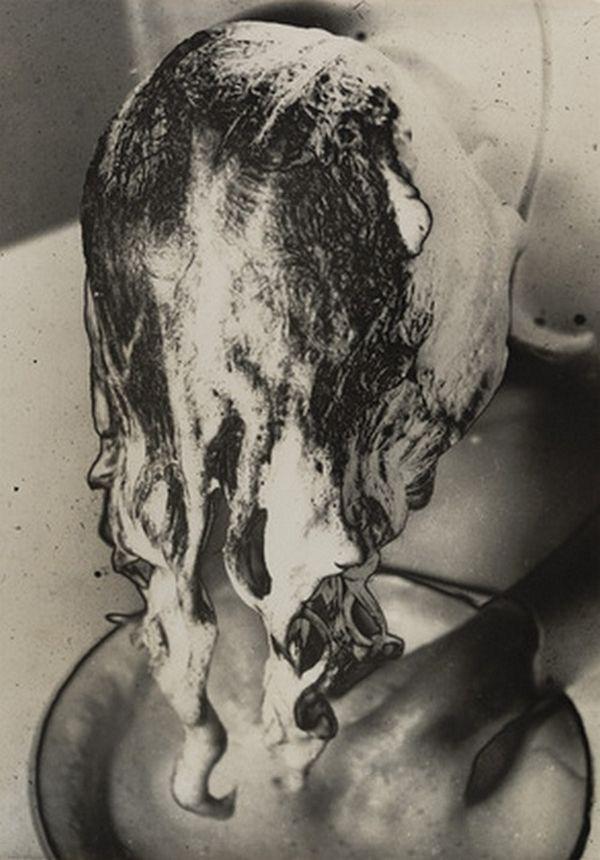 Osamu Shiihara- Le shampoing, 1930s