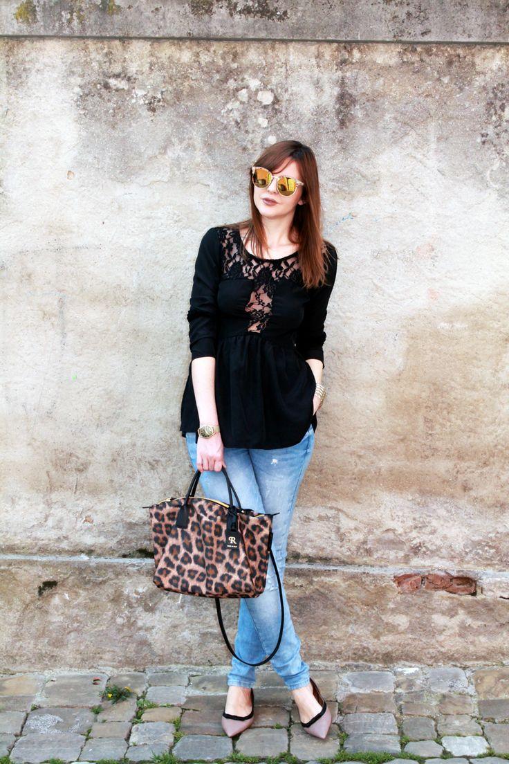 Top nero in pizzo, borsa leopardata e ballerine a punta.    Il nero è un colore che non riesco mai ad abbandonare del tutto, nemmeno in ...