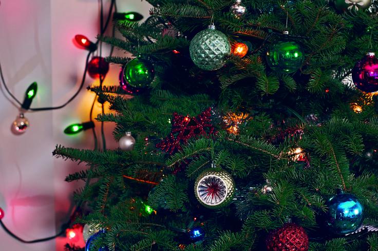 Tree decorating time!
