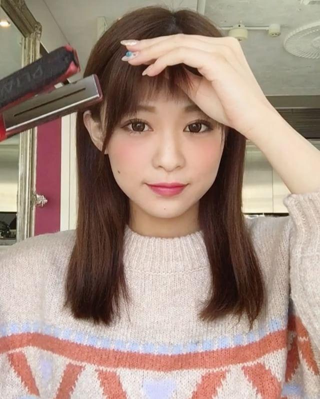 前髪ブロー やり方動画  大人可愛い♡抜け感ゆるふわ セルフブロー アレンジヘア アップスタイル [オブヘア] http://www.ofhair.co.jp/sp Of HAIR [オブヘア]  最新トレンドヘアスタイルや動画を配信。掲載スタイルは全てOf HAIR オリジナル 店舗のURLはこちらから⇧⇧⇧ 初めての方はHPからクーポンをご利用ください。 オブヘアは、お客様と共に自社開発するコスメメーカー Ofcosmetics [オブ・コスメティックス] を持つヘアサロンです。 #銀座 #表参道 #原宿 #青山 #前髪 #ファッション #撮影 #サロモ #お洒落 #美容師 #ロング #fashion #ヘア #アレンジ #ヘアアレンジ #ミディアム #簡単アレンジ #hair #グレージュ #ヘアスタイル #スタイリング #髪型 #メイク #セット #ヘアセット #ヘアアレンジ #巻き方 #渋谷 #可愛い #東京