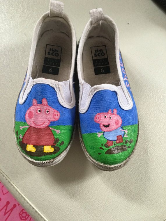 Here are a sample of peppa pig shoes Ive created for a childs size 6. I can paint other cartoon characters and other childrens sizes! Just send me a message