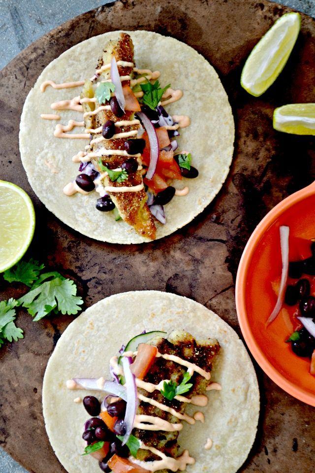 Bakeaholic mama haddock tacos with sriracha yogurt sauce for Yogurt sauce for fish