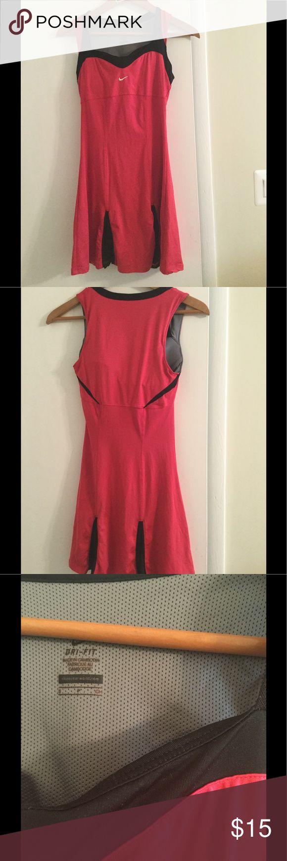 NIKE tennis dress size S Nike Tennis dress in good condition Nike Dresses