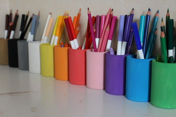 diy les pots crayons fa on montessori crayons montessori and diy and crafts. Black Bedroom Furniture Sets. Home Design Ideas