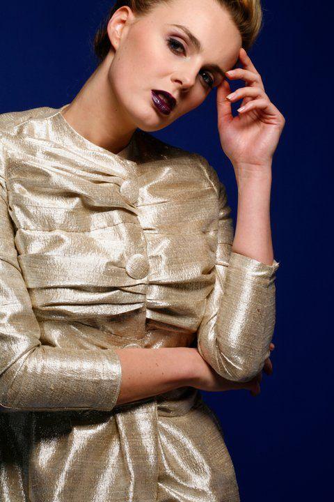 złota płaszczo- sukienka Gabriela Hezner