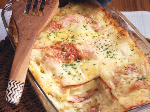 Sauerkraut-Lasagne ist ein Rezept mit frischen Zutaten aus der Kategorie Lasagne. Probieren Sie dieses und weitere Rezepte von EAT SMARTER!