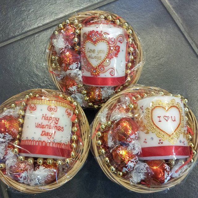 These beautiful #valentines gift baskets would light up any lucky lady's day!