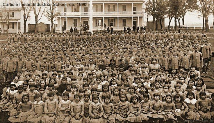 Școală pentru amerindieni în S.U.A., la 1890.