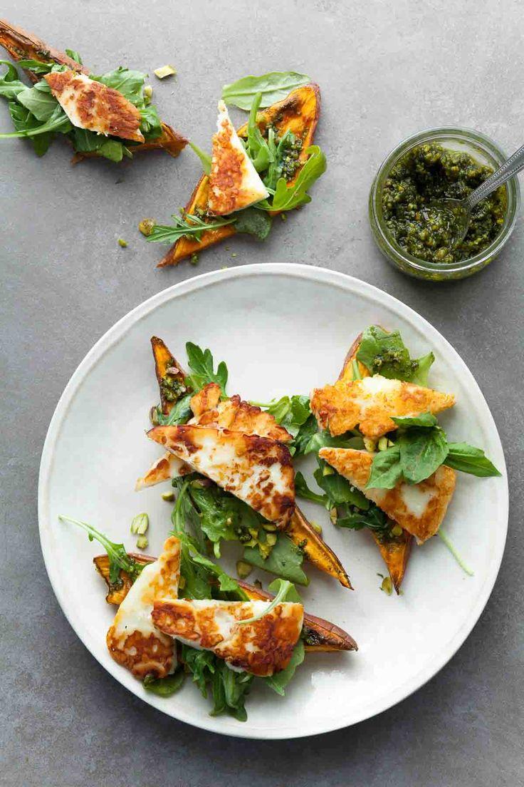 These arugula and halloumi topped sweet potato tartines (toasts) make a terrific…