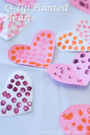 Valentine's Art for Kids: Super simple q-tip painted hearts!