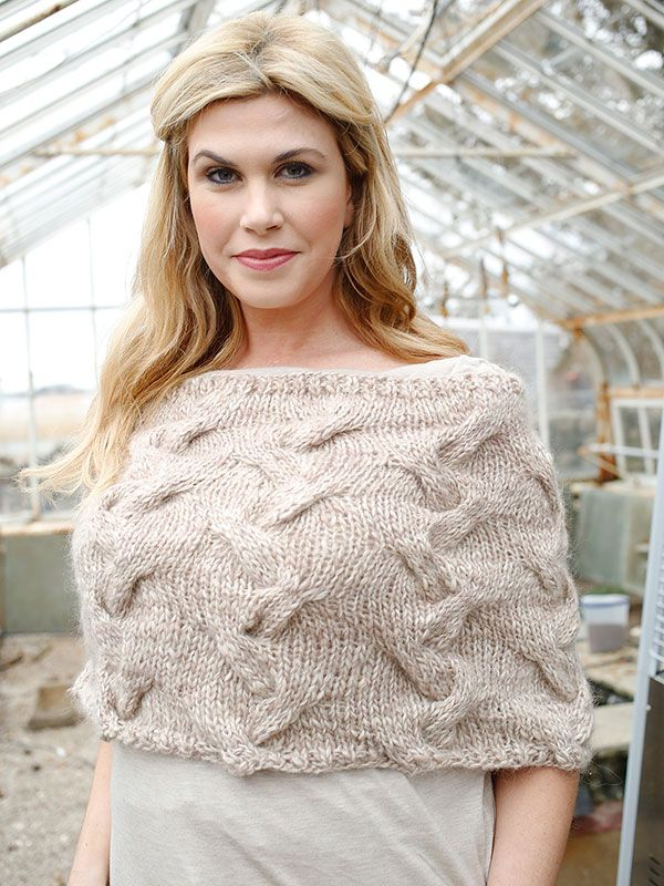 Free Knitted Capelet Patterns : 1000+ ideas about Shrug Knitting Pattern on Pinterest Shrug Pattern, Knit H...