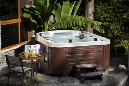 Ricol Leisure coast spas and hot tubs from Weymouth.  Hot tubs, garden furniture, chemicals, home & leisure.