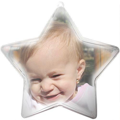 Personalizati aceasta stea, ornament de pom de Craciun cu imaginea dorita. Optional, puteti adauga si un text pe poza dvs. Steaua cu fotografie are funda de culoare rosie sau aurie. Dimensiune glob: 10 cm.