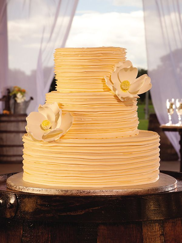 publix wedding cakes cost 17 best ideas about publix cakes on berry 18825