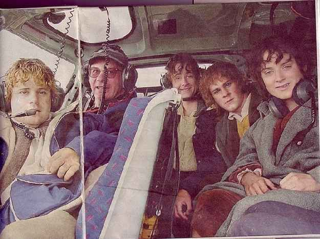 The fellowship could have reached Mount Doom much faster if they had a helicopter: | 34 Behind The Scenes Photos That Will Change The Way You Look At Classic Movies