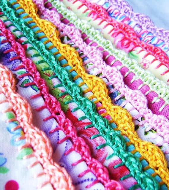 crochet edging I want to learn to do this!!, stof, festonsteek, festonrand, rand haken om textiel
