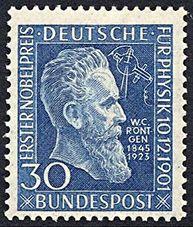 Wilhelm Röntgen: Nunca patentó su descubrimiento (rayos X), siguiendo la tradición germana de que lo que hacían en las universidades era patrimonio de toda la humanidad. De hecho donó el importe del Nobel a su Universidad. La crisis económica de la posguerra le arruinó y murió en la pobreza, en Munich, en 1923.