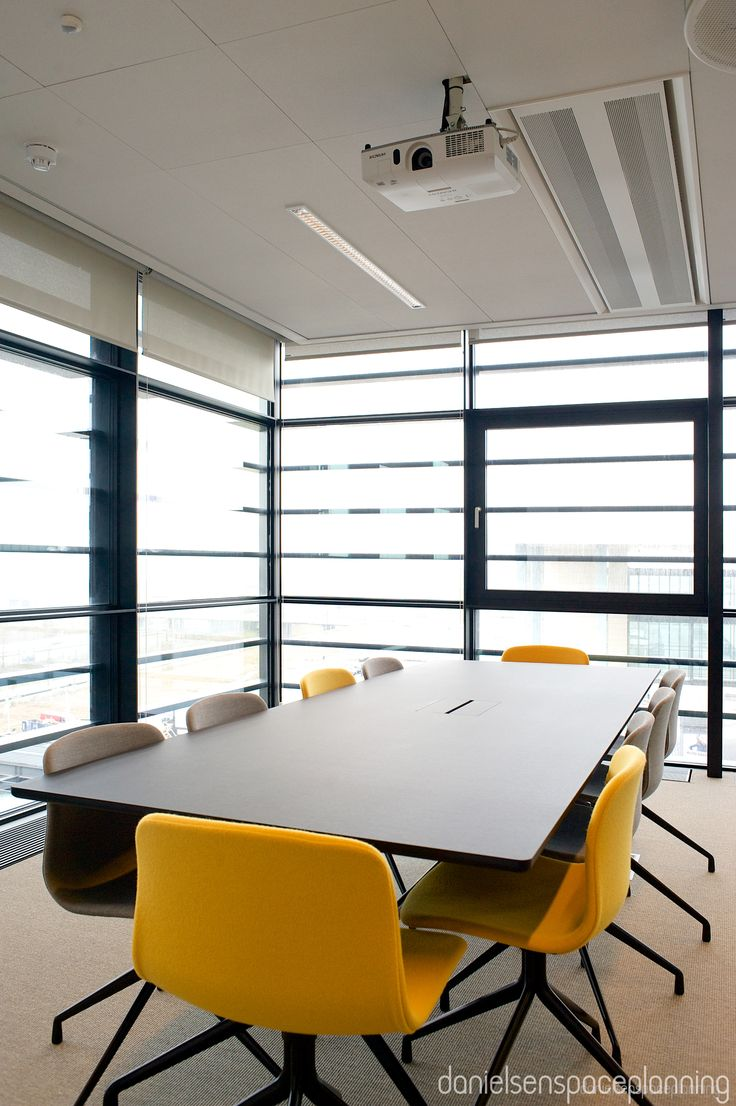 Meeting room - Spies' office in Copenhagen. Spaceplanning and interior design - by Danielsen Spaceplanning.