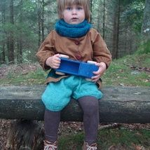 Velvet owersized jacket.Made of soft velvet can be washed in a washer.For a boy 3years old
