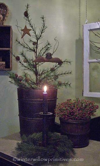 Love this prim Christmas arrangement
