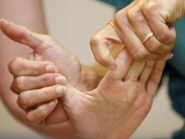 El ve kol ağrısının en görülen sebebi karpal tünel sendromudur