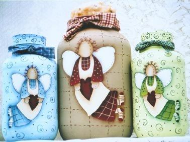 Hermosa manera de decorar las botellas de vidrio.   :)