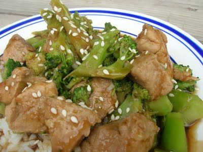 Korean BBQ Chicken and Broccoli from SixSistersStuff.com- the only way my husband will eat broccoli!