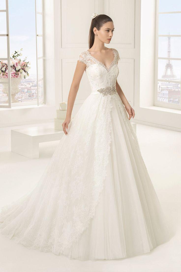 2016年新作 ウェディングドレス A ライン キャップスリーブ Vネック チャペル ボタン 結婚式 二次会 ドレス リボン付き Hra0129