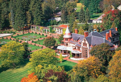 Sonneberg estate in NY-great colors and gardens