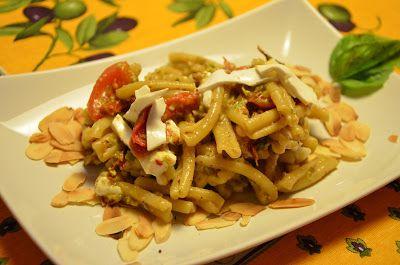 Giuli Foodie: Casarecce al Pesto di Pistacchi, Pinoli e Mandorle...