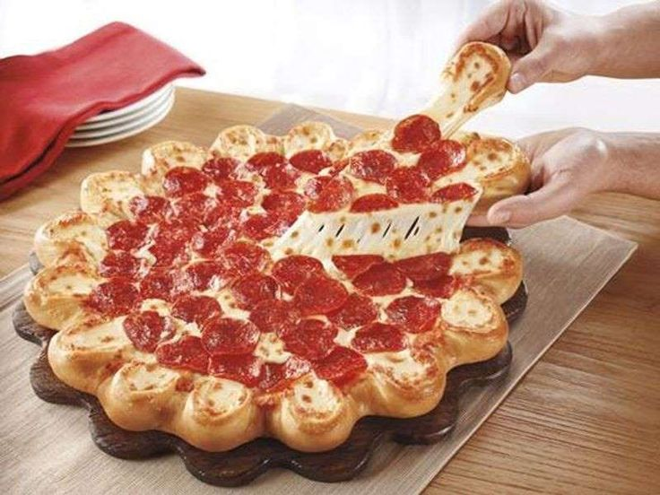 .@PizzaHut 's Crazy #pizza Crusts Continue With Tater Tots and Garlic Knots