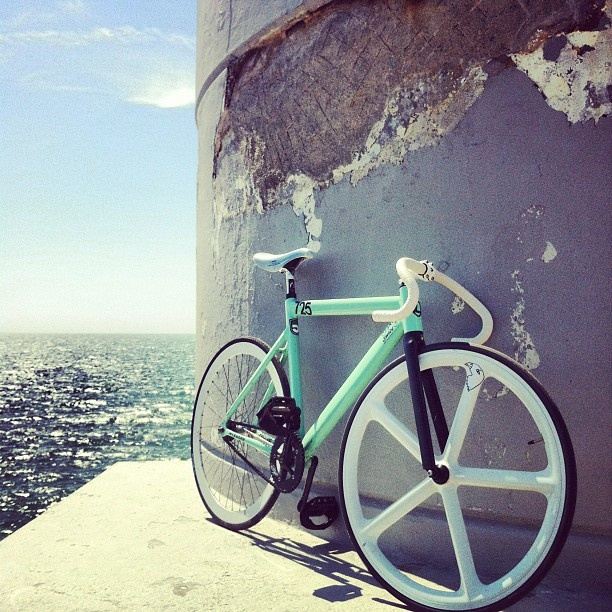from where i ride! #trackbike #cycling #sea @leaderbikeusa - @Martijn imagehunters- #webstagram