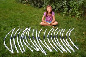 Could use this DIY to make a bow for a Katniss Halloween costume
