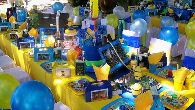 Minions Decoracion Para Fiestas ~ Decoraci?n de mesa para fiesta tem?tica de Minions #FiestaInfantil