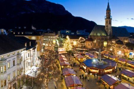 Oggi alle 17 in piazza Walther a #Bolzano inaugurazione del #Mercatino di #Natale