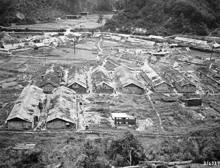 「タチソ」建設に従事した朝鮮人労働者が住んでいたとみられる住居群=1945年10月(米国立公文書館所蔵、福林徹氏提供)