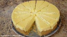 Kolay bir tarif arıyorsanız, bunu yapmanızı tavsiye ederiz. 1,5 paket Eti burçak 100 gr tereyağı 3 paket krem peynir 1 bardak toz şeker 1 paket vanilya 2 yumurta 200 ml bir küçük kutu sıvı krema 3 çorba kaşığı un 1 limon suyu ve rendesi 1. Öncelikle fırınımızı 200 dereceye getirip ısıtıyoruz. 20 cm'lik kelepçeli bir …