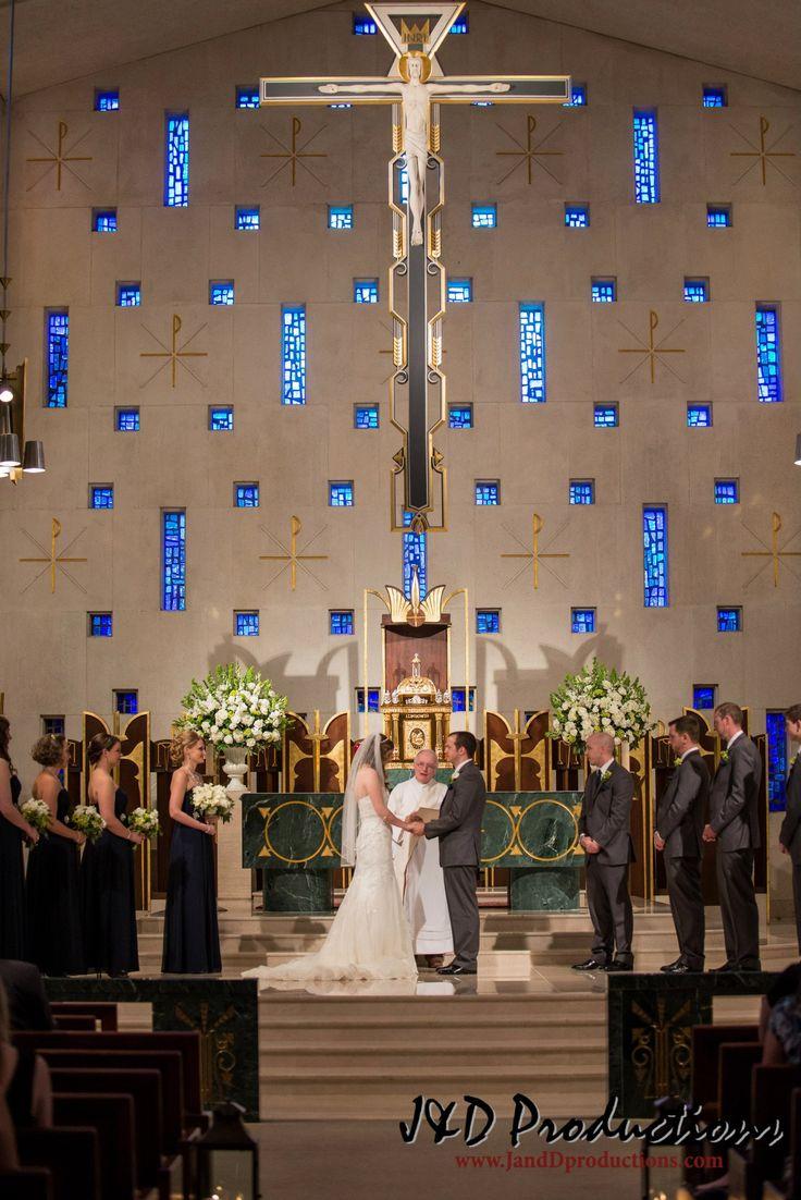 Jennifer and Andrew's #wedding at St. Michael's Catholic Church in Houston, TX. #texasweddingvenues #fabuloustexasweddingvenues #weddings #texasweddings #texasweddinglocations #houstonweddings #houstonweddingvenues
