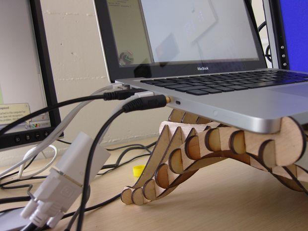 Wave Laptop Stand (Making 3D Shapes in Illustrator)