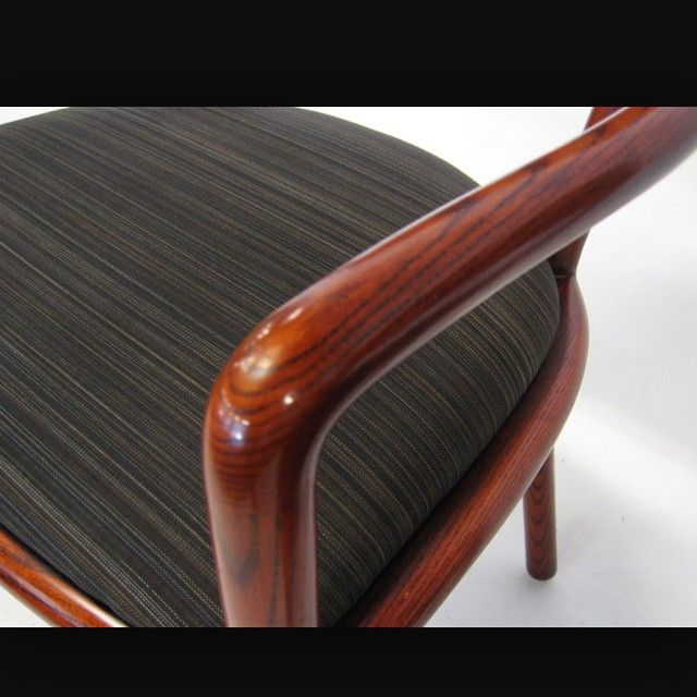 Classic... Wood paired with horse hair = elegancy  #lecrin #creationsmetaphores