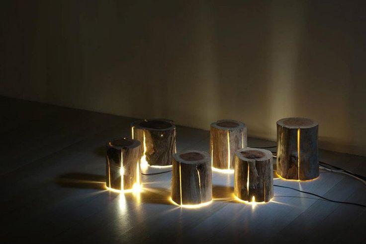 Il utilise des rondins de bois craquelés pour créer de superbes lampes naturelles | Buzzly